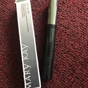 Mary Kay Waterproof Mascara - Black